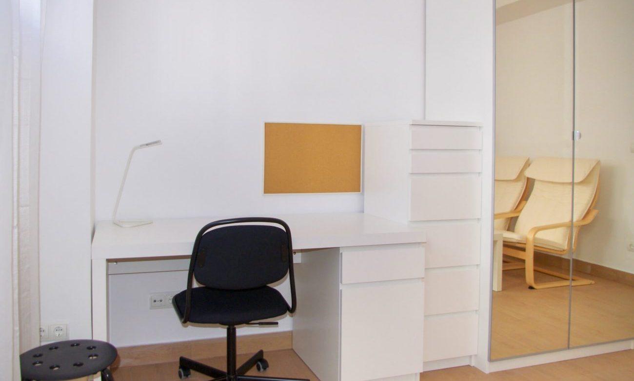 LH190 04.3.2 Dorm.4 inversa detalle escritorio-Tiny